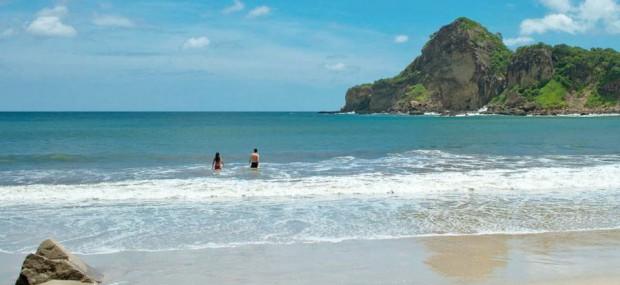 Nicaragua-Beach-Yoga-Surf-Adventure
