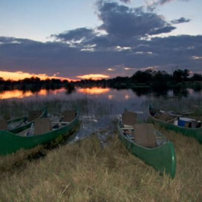 Selinda-Canoe-Trail-canoes-at-sunset